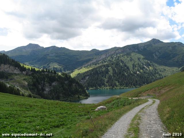On aperçoit enfin le Lac de Saint Guérin !