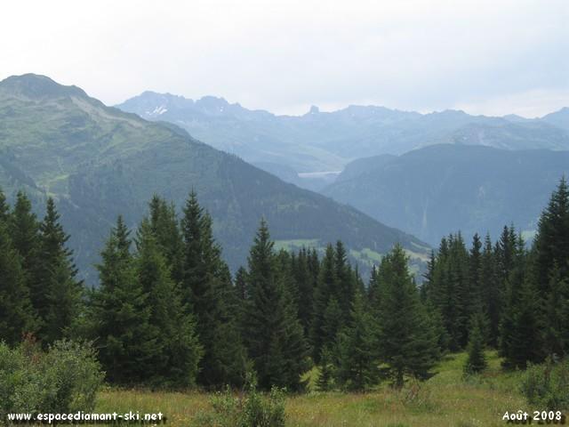 Le massif du Beaufortain, la Pierra Menta et le barrage de Roselend