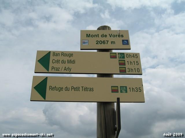 Arrivée au sommet du Mont de Vorès, à 2067 m
