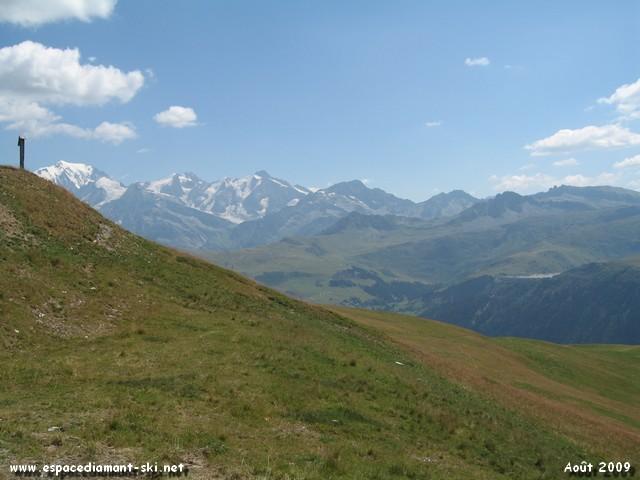 Le Mt Blanc et le barrage de la Girotte à droite