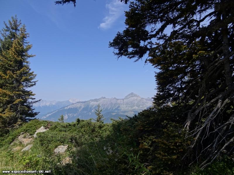 Le Mont Charvin et les Trois Sorcières