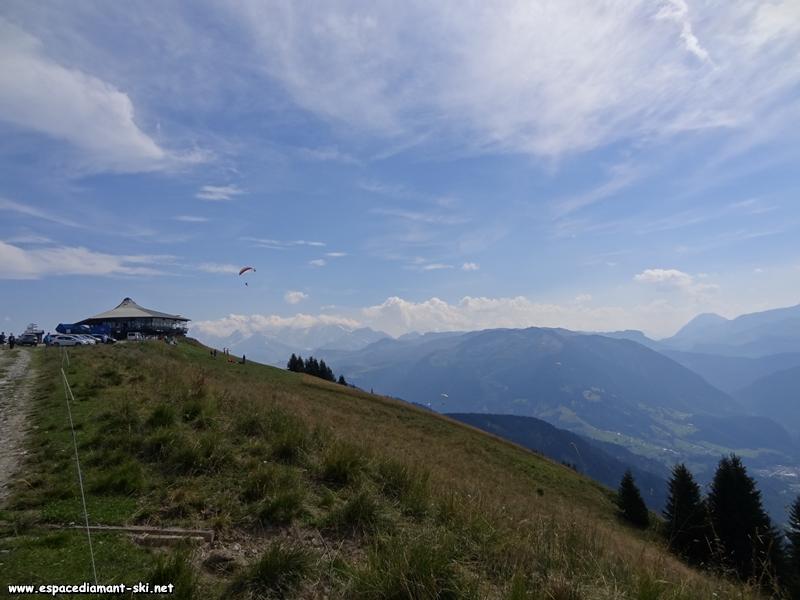 Derrière nous, le Panoramique 2000 et la pointe du Mont Blanc