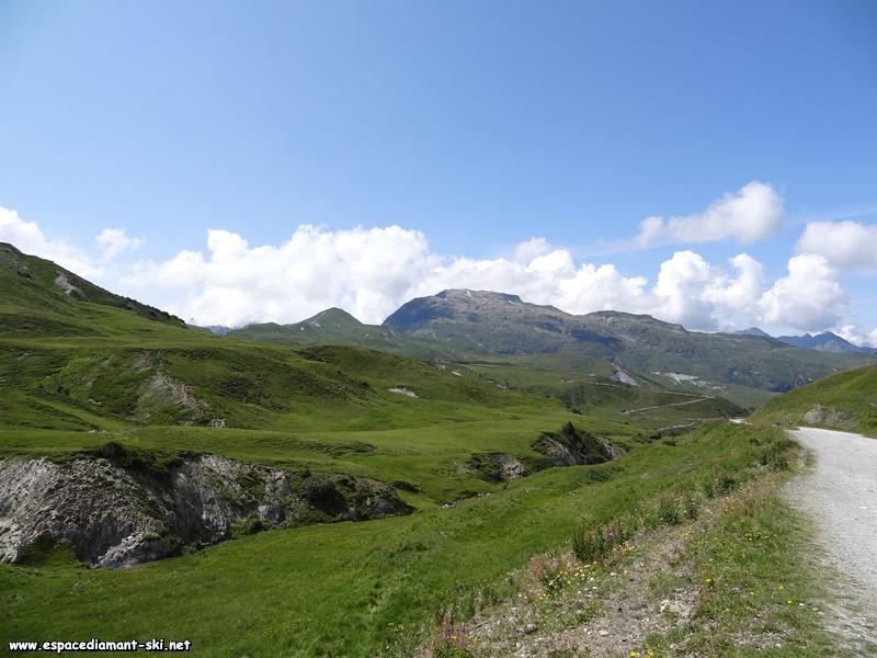 Regard en arrière vers la Pointe du Riondet et le Grand Mont