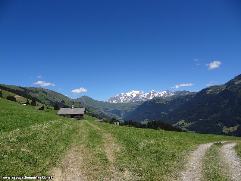 Le Mont Clocher, les Aiguilles Croches, le Col du Joly et la Chaîne du Mont Blanc
