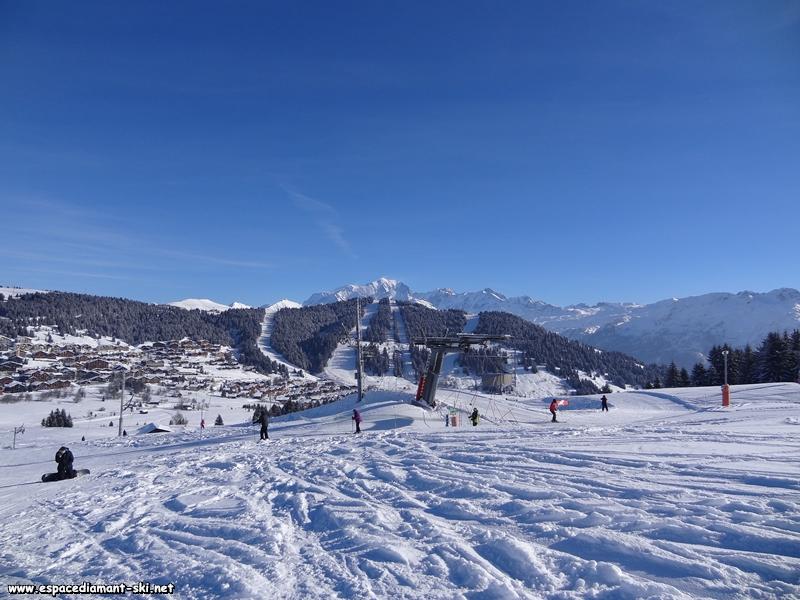 La nouvelle gare amont avec la Légette et le Mont Blanc
