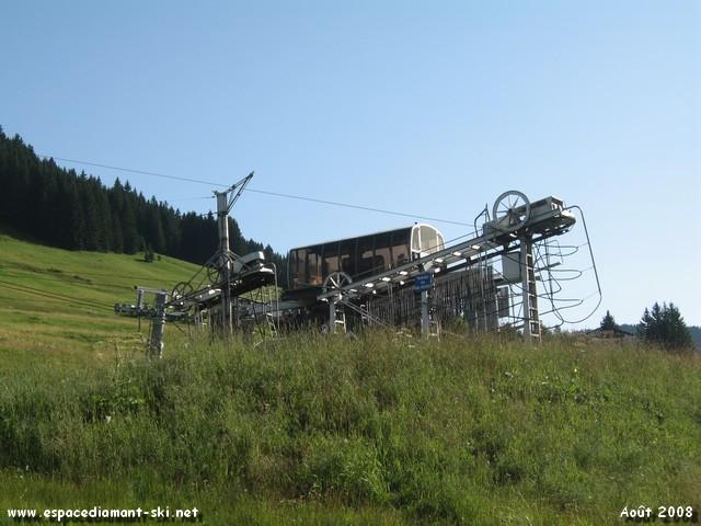 En été avec le TK Combes 1 (au premier plan) et TS Mont Rond (arrière plan)
