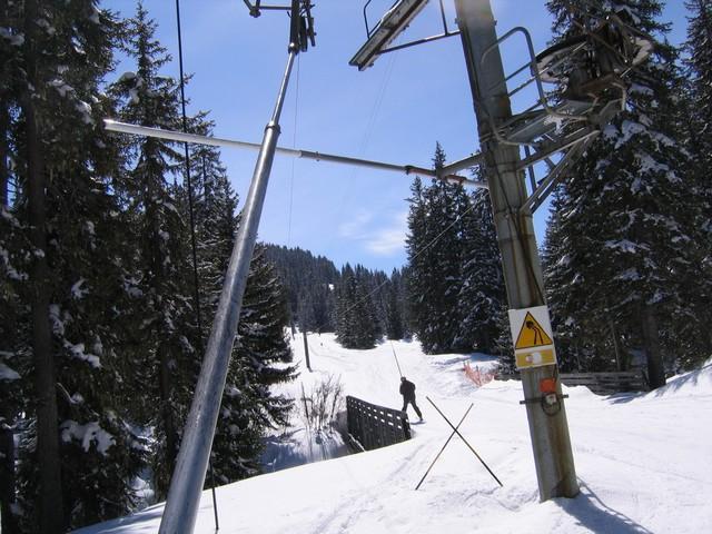 Sous le p10, vue sur le pont skieur