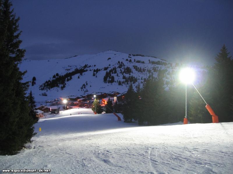 Une vue depuis la piste des Sapins lors de l'exploitation nocturne du téléski