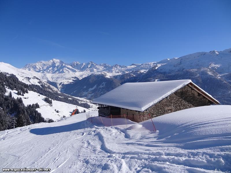 Pour conclure ce reportage, une vue sur le Col du Joly et le Mont Blanc depuis la piste des Frettes