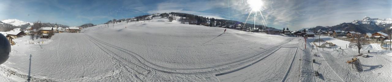 Le front de neige des Tovats à Crest-Voland, où les enneigeurs ont également produit