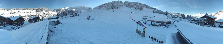 Les enneigeurs tournent aussi sur le front de neige du Mont Rond