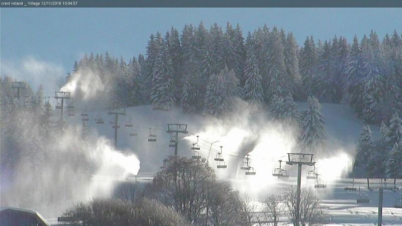 La production de neige de culture a débuté sur la piste de la Criée