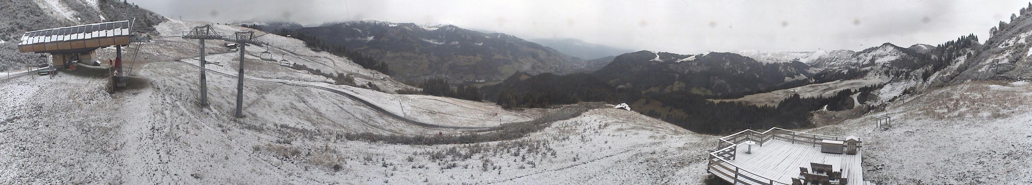 Au sommet du Télésiège du Crêt du Midi à Praz sur Arly, à 1723 mètres