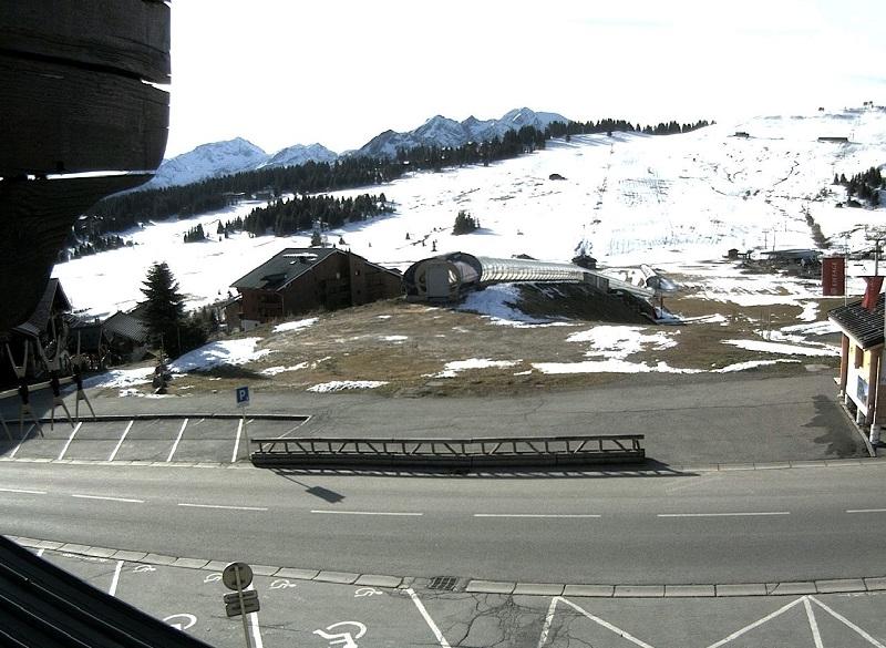 Le front de neige des Chardons, où la neige a presque entièrement fondu