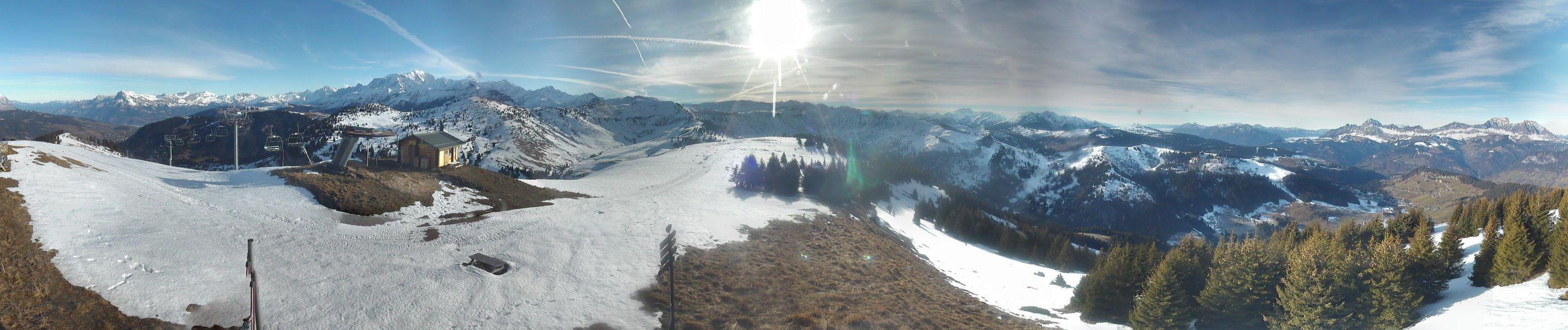 Le sommet de Ban Rouge, où l'on voit les dégats provoqués par le foehn et le redoux même sur le domaine d'altitude