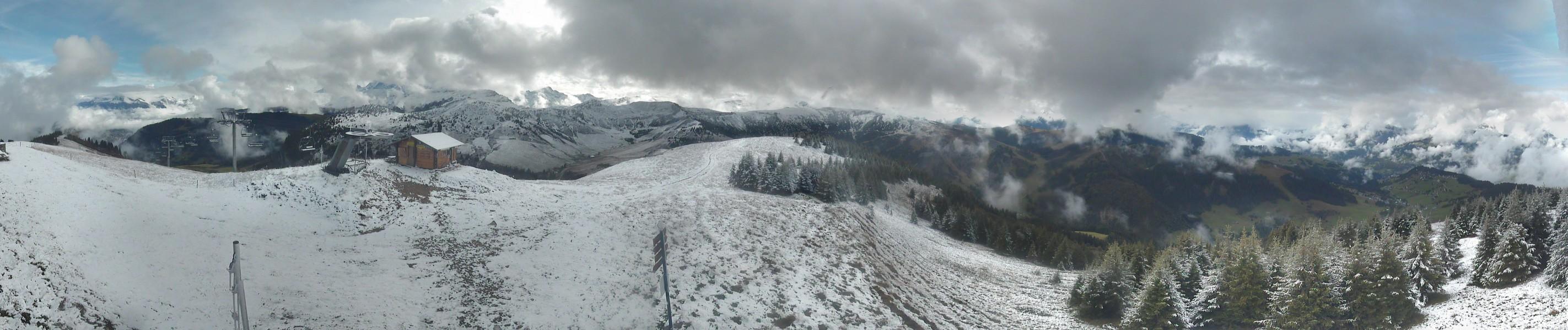 Ambiance blanche plus importante sur les sommets du Val d'Arly : Ban Rouge, BasseCombe et Vorès