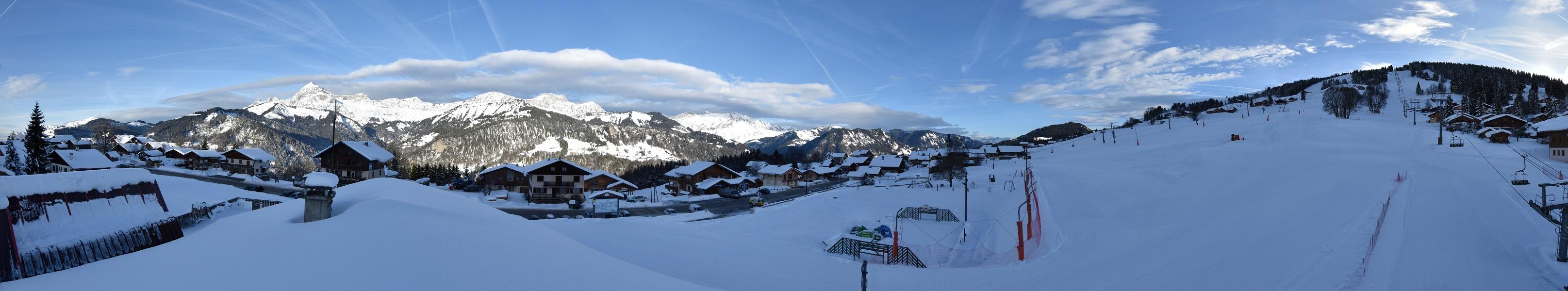 La webcam au pied de la Logère à Crest-Voland a été remplacée, offrant une vue panoramique de grande qualité