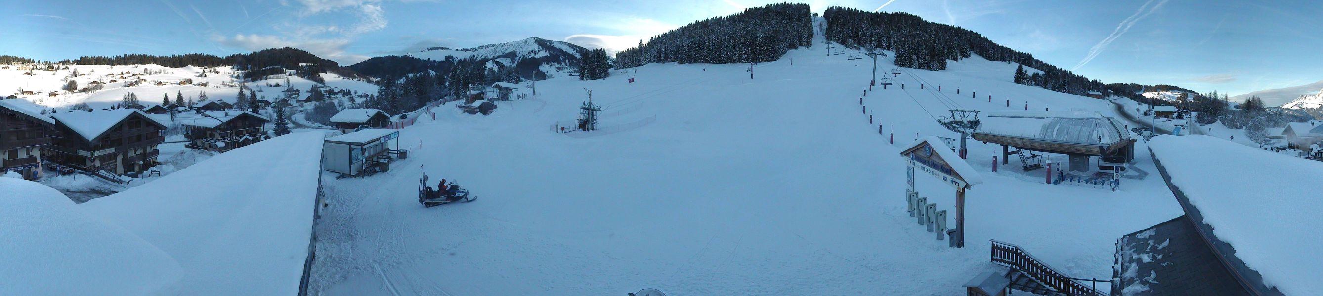 Le front de neige du Mont Rond, toujours à l'ombre les matins de Décembre