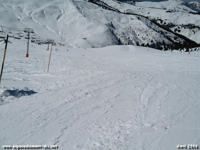 La piste rouge du Bélier : profil assez technique offrant un ski propre de qualité !