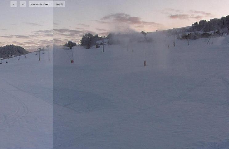 Déjà une belle couche de neige, complétée par celle artificielle des enneigeurs