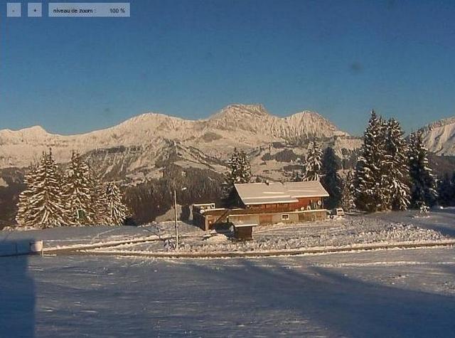 Vue sur les Aravis depuis la webcam du Mont Lachat...