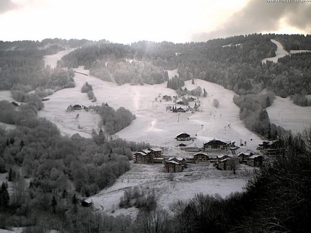 Production de neige de culture au pied des pistes des Evettes
