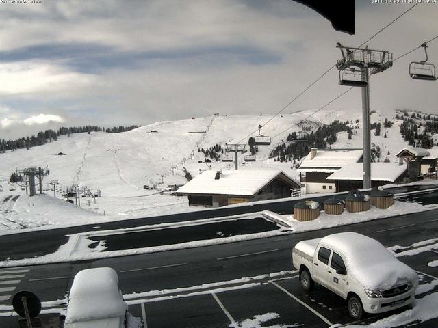 Le lendemain, un beau manteau blanc recouvre le massif de Bisanne