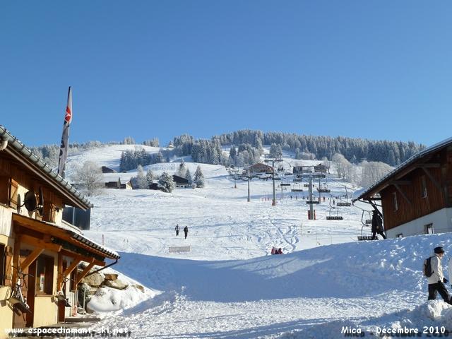 Le Télésiège des Tovats sur le front de neige homonyme