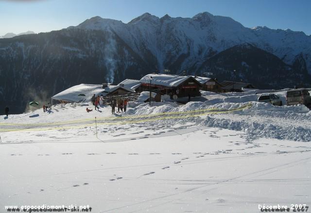 L'imposant Mont Mirantin en arrière plan