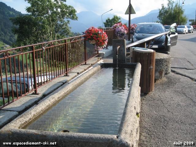 Fontaine et fleurs...