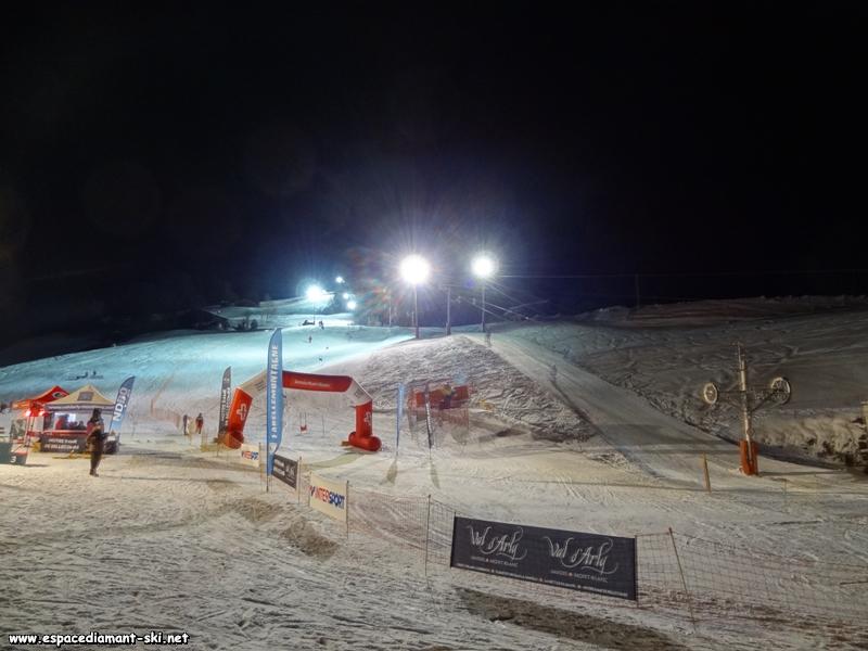 Compétition nocturne sur la piste des Quarts